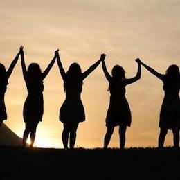holding-hands-women